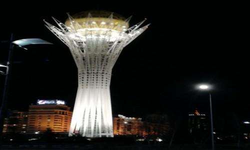 Zdjecie KAZACHSTAN / Astana / Bajterek / Kazachstan wiosną