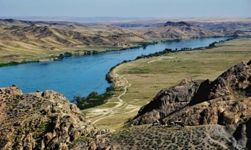 Zdjęcie KAZACHSTAN / Ałma Ata / Tamgały Tas / Rzeka Ili