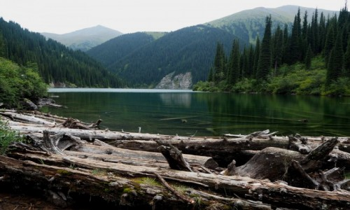 Zdjęcie KAZACHSTAN / płd.-wsch. Kazachstan / Park Narodowy Kolsay Lakes / Jeziora Kolsai