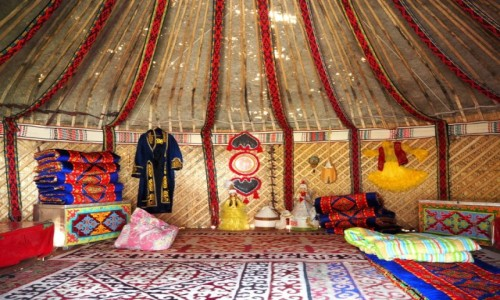 Zdjęcie KAZACHSTAN / płd.-wsch. Kazachstan / Kanion Szaryński / Nocleg w jurcie