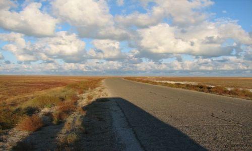Zdjecie KAZACHSTAN / Morze Kaspijskie / okolice Aktau / Droga