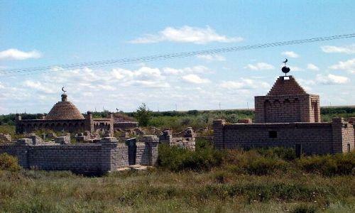 KAZACHSTAN / brak / Aralsk / Typowy islamski cmentarz w Kazachstanie
