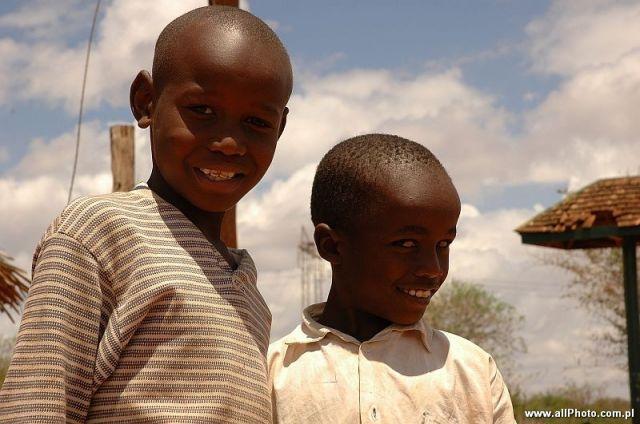 Zdjęcia: Tsavo East, Tsavo East, Dzieci , Voi Gate to Tsavo East, KENIA