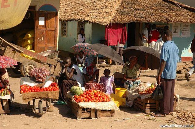 Zdjęcia: Gedi, Zachodnia Kenia, Targ uliczny w Gedi, KENIA