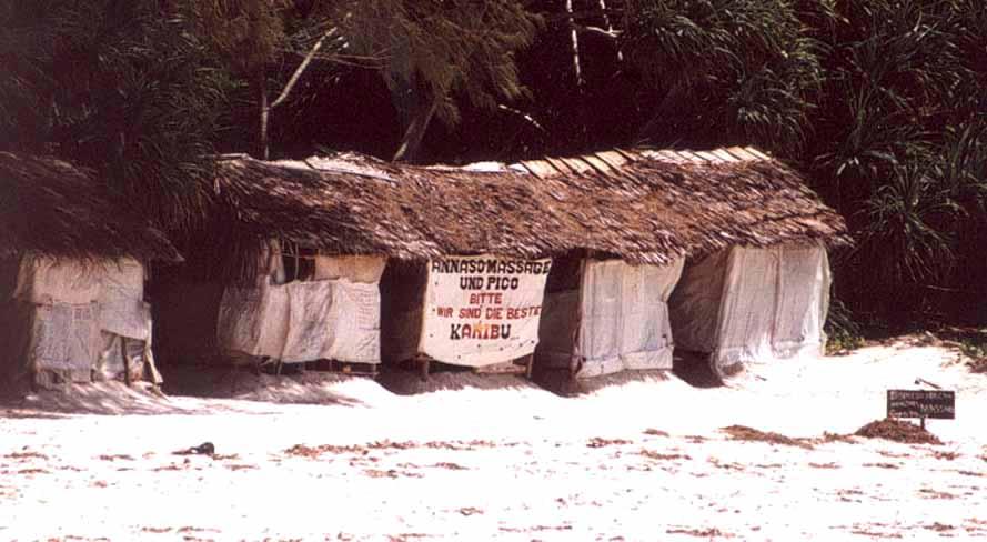 """Zdjęcia: PLAŻA, DIANI BEACH, Salon """"masażu"""" (DLA SAMOBUJCÓW), KENIA"""