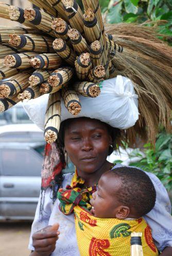 Zdjęcia: MOMBASA, MATKA Z DZIECKIEM, KENIA