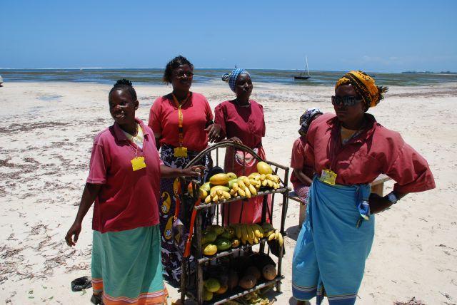 Zdjęcia: Wybrzeże, Wybrzeże, Sklep z owacami na plaży, KENIA