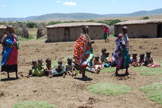 Zdjęcia: WIOSKA MASAJÓW, Masai Mara, Dzieci Masajów , KENIA