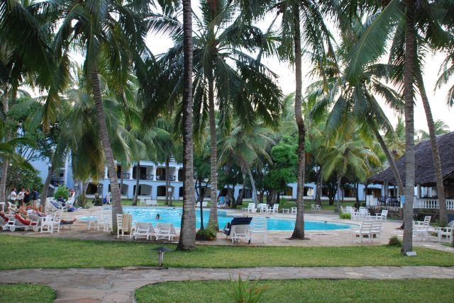 Zdj�cia: Wbrze�e, Wybrze�e, Teren nale��cy do Hotelu Shanzu, KENIA