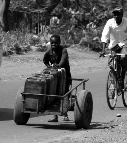 Zdjęcia: Kisumu, Kisumu, Bezcenna woda, KENIA