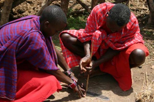 Zdjęcia: Masai Mara, Masai Mara, Masajskie zapalniczki, KENIA