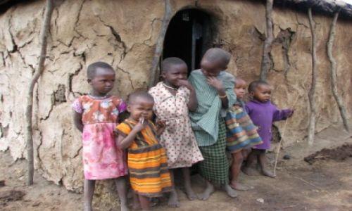 KENIA / Masaj-Mara / wioska Masajow / wszystkie dzieci sa nasze