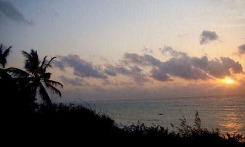 Zdjecie KENIA / Prowincja Nadbrzeżna / Diani, Leisure Lodge Resort / Wschód nad Diani, trochę chmurny