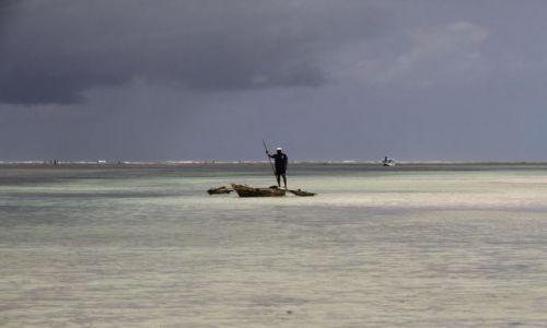 Zdjęcie KENIA / Południowe wybrzeże / Diani Beach / a może na ryby?