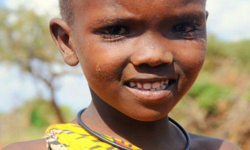 Zdjecie KENIA / Tsavo East / Masai village / pierwszych zebow brak