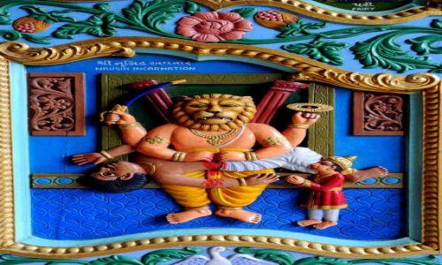 Zdjecie KENIA / Mombasa  / Hindu Temple / Hindu temple doors
