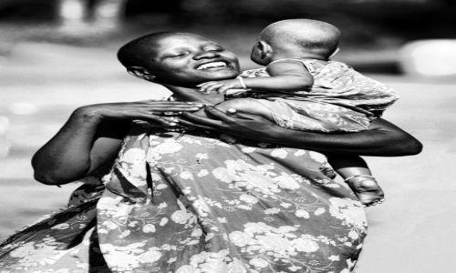 Zdjęcie KENIA / Tsavo / Tsavo east / Czarno-biała miłość
