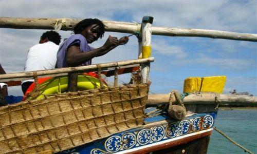 Zdjecie KENIA / - / Mombasa / na łodzi...