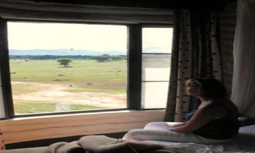 Zdjecie KENIA / Taita Hills / Sarova Taita Hills Game Lodge  / co przyniesie j