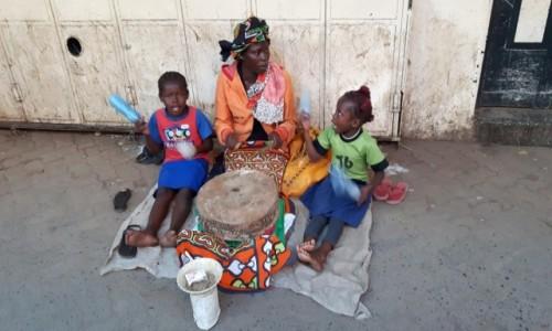 Zdjecie KENIA / Nairobi / Nairobi / Muzyka ulicy.
