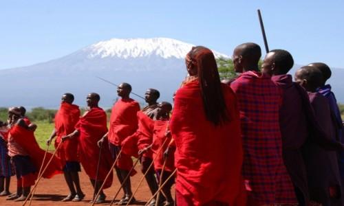 Zdjęcie KENIA / Między Nairobi a wybrzeżem / okolice Parku Narodowego Tsavo / Masajowie