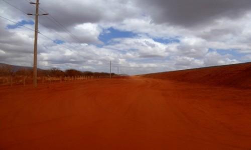 Zdjęcie KENIA / - / Tsavo East / Bezmiar czerwieni
