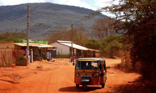 Zdjęcie KENIA / Kenia Wschodnia / Tsavo East / Tuk tuki nie tylko w Azji