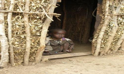 KENIA / Masai Mara / Wioska Masajów / Dziecko Masaja