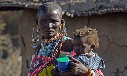 Zdjecie KENIA / Masai Mara / Wioska przy rezerwacie Masai Mara / Czarny blondynek