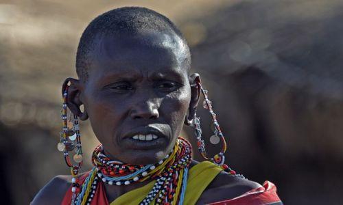 Zdjęcie KENIA / Masai Mara / Wioska przy rezerwacie Masai Mara / Masajka