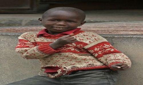 Zdjecie KENIA / brak / Masai Mara / Uliczny wojownik
