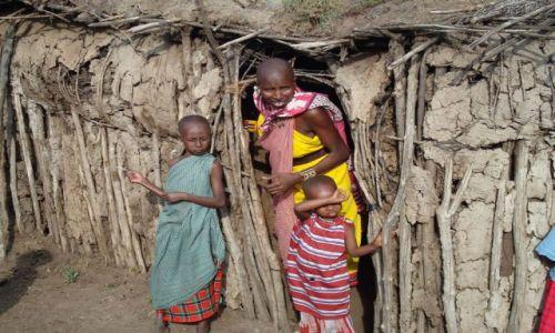 Zdjecie KENIA / brak / Okolice Masai Mara, wioska Masajów - skomercjalizowana rzecz jasna:/ / Masajowie