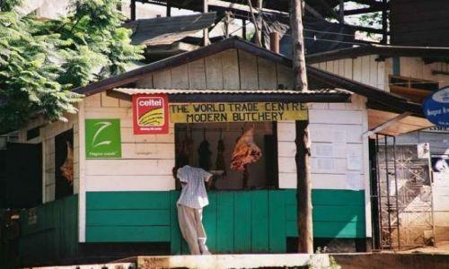 Zdjecie KENIA / Nairobi / na obrzeżach miasta / Elegancki sklep mięsny