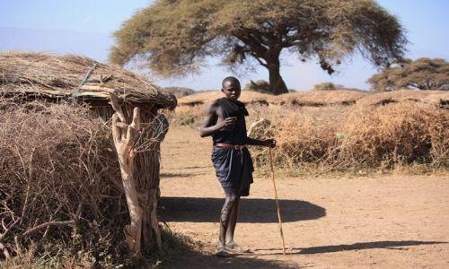 Zdjęcie KENIA / Park Narodowy Amboseli / wioska masajska / było Mu smutno jak odjeżdżaliśmy....