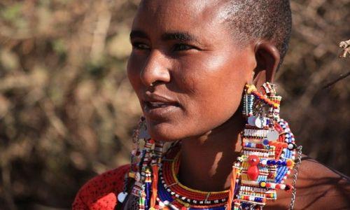 KENIA / Park Narodowy Amboseli / wioska masajska / masajskie kobiety