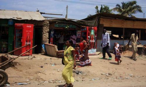 KENIA / Mombasa / Mombasa / afrykańskie kontrasty.....