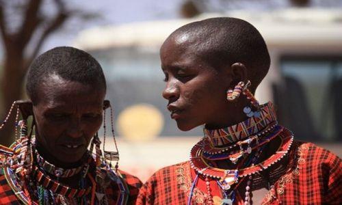 Zdjęcie KENIA / Park Narodowy Amboseli / wioska masajska / konsultacje handlowe
