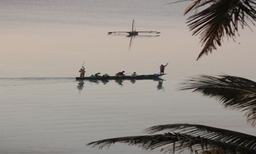 Zdjęcie KENIA / Ocean Indyjski / Mombasa / rejsik o poranku