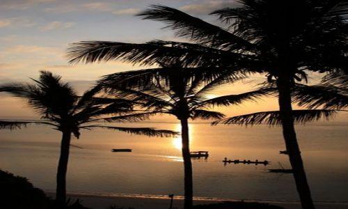 Zdjęcie KENIA / Ocean Indyjski / Mombasa / widok z balkonu.......wczesnym świtem