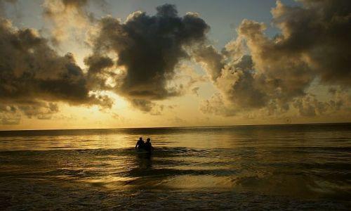 Zdjecie KENIA / Afryka / Kilifi-ocean indyjski-plaża / wschód słońca w Kilifi
