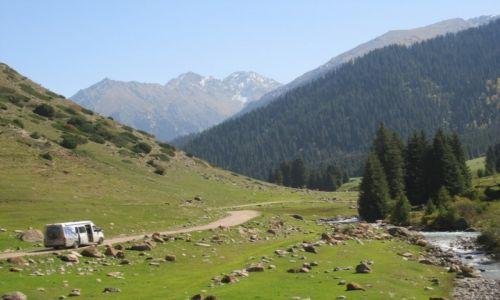 Zdjęcie KIRGIZJA / Kirgizja / Kirgizja / Krajobraz  górski