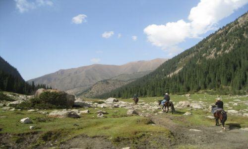 Zdjęcie KIRGIZJA / Kirgistan / Kirgistan / Przejażdżka konna w górach
