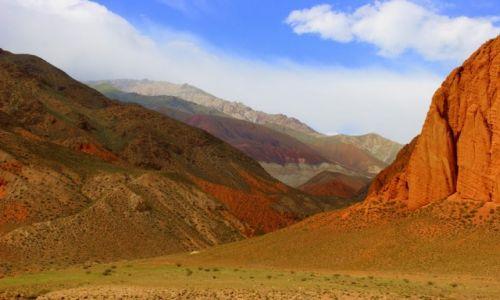Zdjęcie KIRGIZJA / Ak  Talaa / Ak  Talaa / Kolor  ziemi