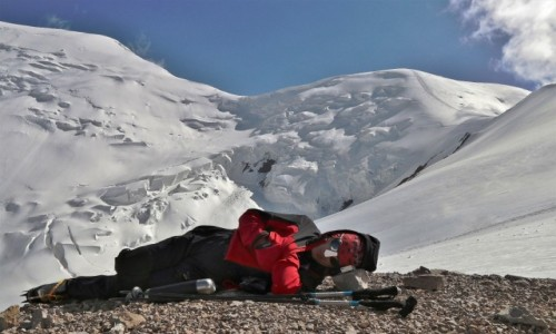 Zdjęcie KIRGIZJA / Pamir, Pik Lenina / Ponad II obozem (ok. 5700 m) / Jak sobie pościelisz tak się wyśpisz!