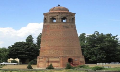 KIRGIZJA / Ozgen / Kompleks Mimari / Minaret