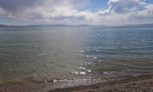 Zdjecie KIRGIZJA / obwód naryński / Song Kul / nad wodą wielką i czystą