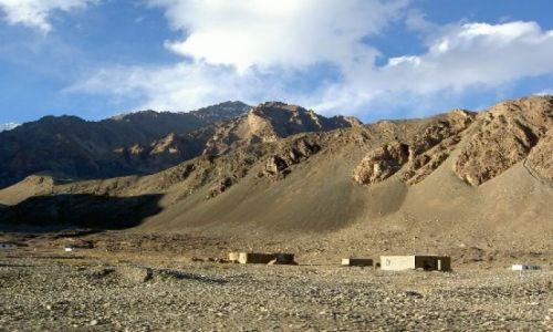 Zdjecie KIRGIZJA / Tien Shan / dosyc blisko granicy z tadzykistanem / Tien Shan