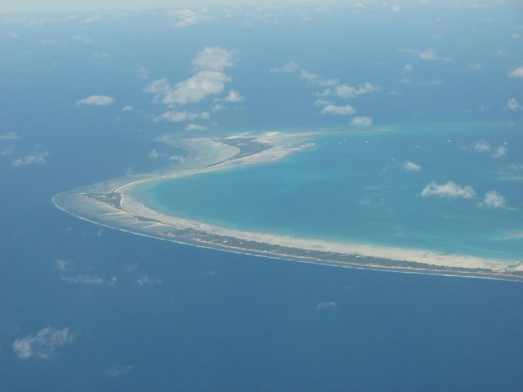 Zdjęcia: Samolot, Tarawa, Na wyspach...ale nie Brzechwy, KIRIBATI