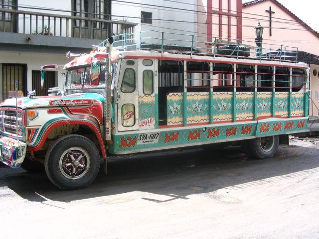 Zdj�cia: Popayan, Cauca, Chiva...�rodek transportu, KOLUMBIA
