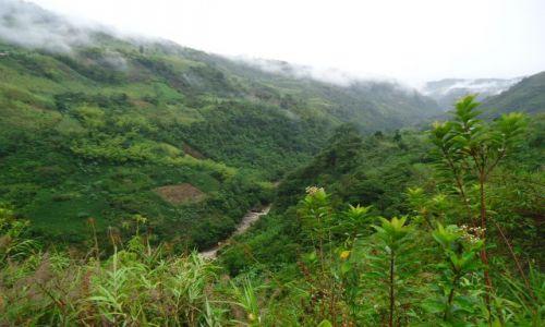 Zdjęcie KOLUMBIA / Huila / droga Obando - Isnos / Krajobraz międzydeszczowy